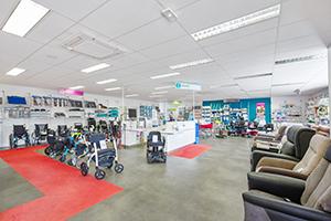 Bastide le Confort Médical Agen intérieur magasin banque d'accueil